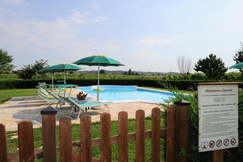 agriturismo con piscina lago di garda